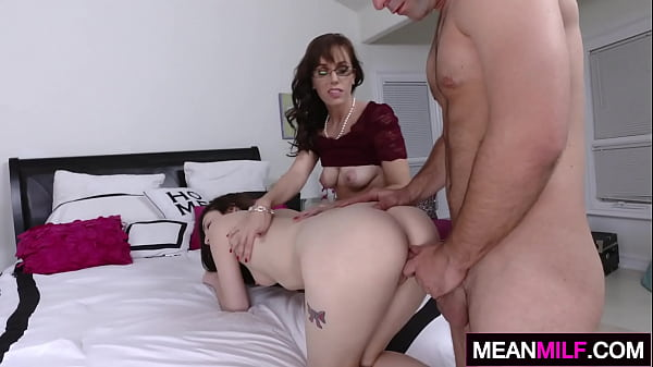 Play, Stepmother