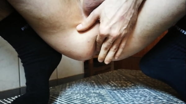 Solo fingering, Anal solo