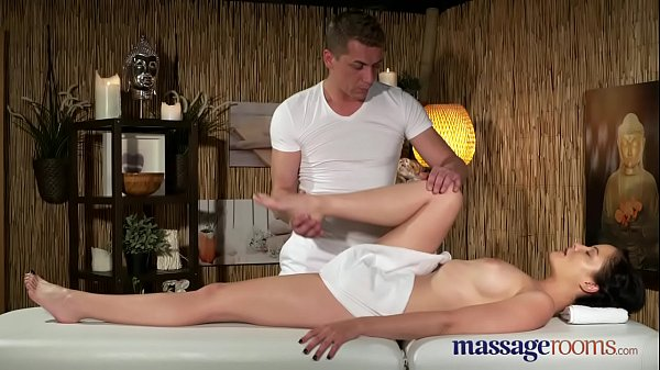 Tit, Young tits, Massage room
